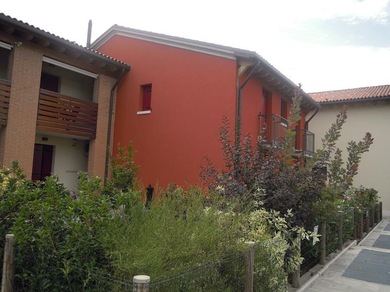 L'idea perseguita nella progettazione del complesso residenziale è stata di realizzare residenze indipendenti ed autonome nel rispetto della tipologia edilizia locale